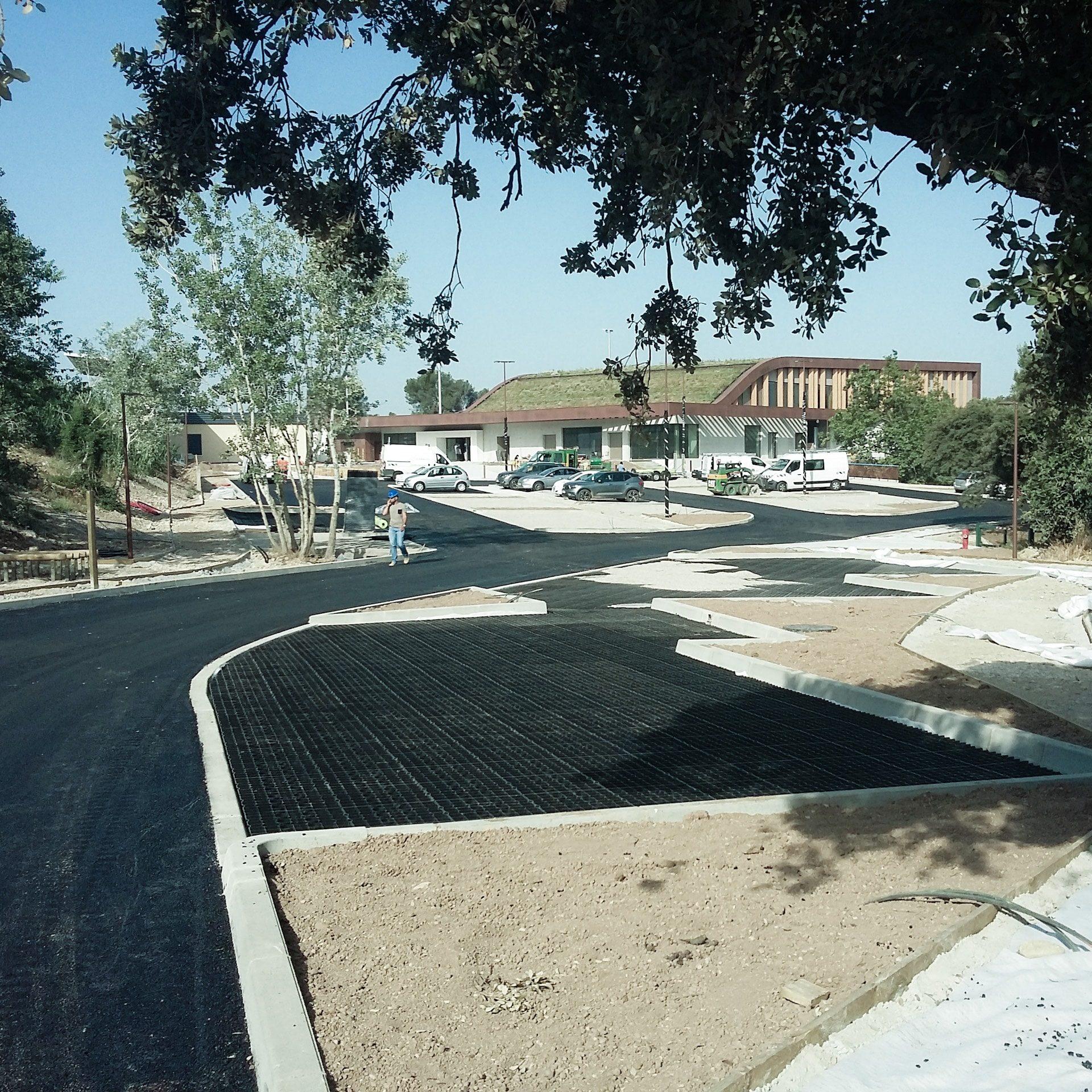 Construction parvis du gymnase de Grans - 2019